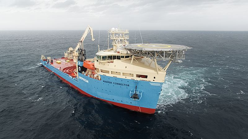 maersk-connector-cable-layer-crane-test-january-2016